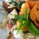 Σαλάτα με μανέστρα, κοτόπουλο και βερίκοκα